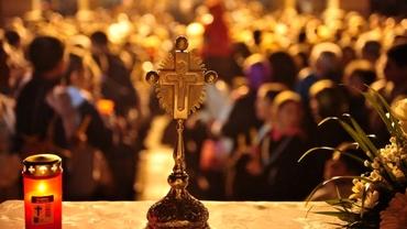 Tradiții din Noaptea de Înviere. Ce trebuie să faci imediat după ce vii de la biserică