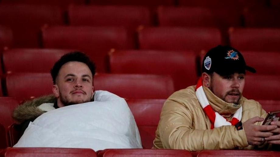 Cu plapuma la meci! Imaginea etapei vine de la Arsenal - Manchester City