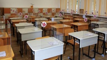 Ce nu au voie să facă elevii în noul an şcolar. Lista activităţilor interzise pe timp de pandemie