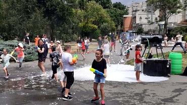 Cea mai mare bătaie cu apă din România! Distracție fără limite în Timișoara