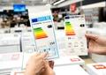 Se schimbă etichetele energetice ale produselor electrocasnice. Ce informații vei găsi începând cu 1 septembrie
