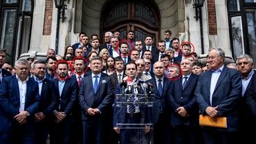 Aceştia sunt liberalii care l-au făcut preşedinte pe Orban, iar acum vor să-l demită. Printre ei se afla chiar Florin Cîţu