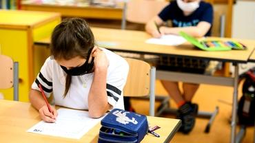 Avizul epidemiologic nu va mai fi cerut preșcolarilor și elevilor la revenirea din vacanțe. Situațiile în care este solicitat