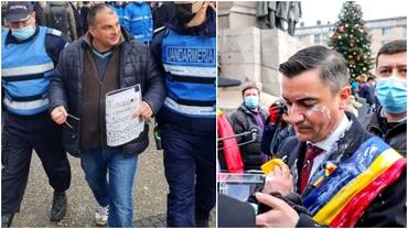 Cine este bărbatul care l-a stropit cu iaurt pe Mihai Chirica. A încercat să-l agreseze și pe Traian Băsescu