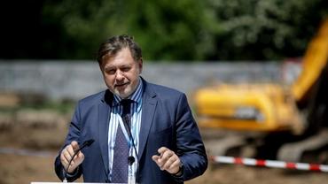 Alexandru Rafila a anunțat în ce condiții pot începe școlile în toamnă. Câte cazuri trebuie să se înregistreze zilnic