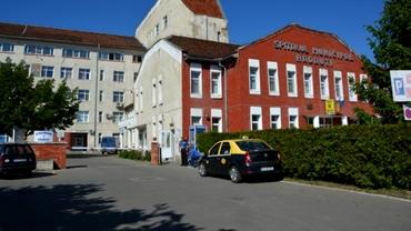 Caz grav la Spitalul Rădăuți. Un bărbat a refuzat să fie internat pe secţia COVID şi a murit în curtea unității