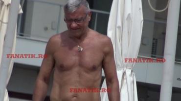 Mircea Sandu, la plajă! Cât de bine se ține, la aproape 66 ani, după ce a scăpat de cancer