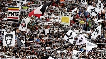 Sînt pregătiţi pentru Steaua! Ce au făcut fanii Universităţii la meciul cu Gaz Metan