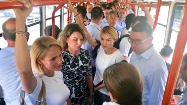 Gabriela Firea, plimbare cu tramvaiul 41! Acuze dure legate de oamenii care au însoțit-o