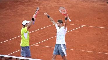 Românii iau cu asalt arenele de tenis