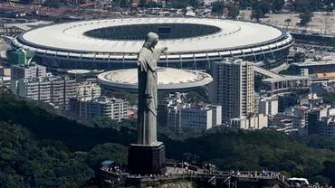 Messi, Ronaldo şi un crocodil! Cele mai NEBUNE pariuri de la Rio!