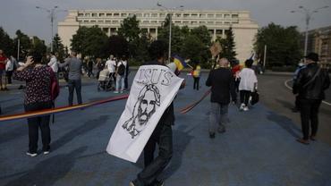 Un nou protest în Piața Victoriei. Românii, în frunte cu Viorel Cataramă, nemulțumiți de prelungirea stării de alertă. Video