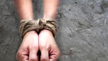 O femeie dată dispărută, găsită de poliţişti într-o stare deplorabilă. Calvarul prin care a trecut i-a şocat şi pe oamenii legii