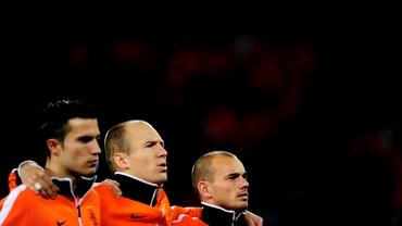 Van Gaal a anunţat lotul pentru meciurile cu Ungaria şi Turcia: ne salvează Van Persie?