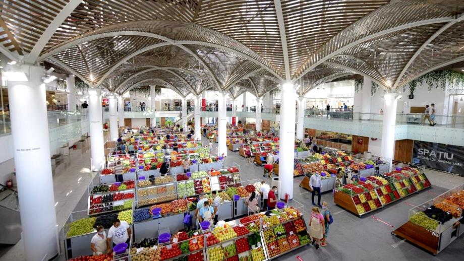 Supermarketurile, pline de fructe şi legume de import! Acuze dure ale fermierilor: