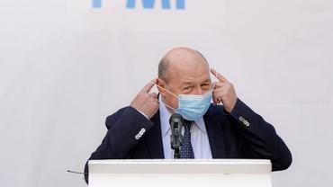 Gafă de proporții a lui Traian Băsescu la ieșirea de la vot! Ce a spus în direct la TV!