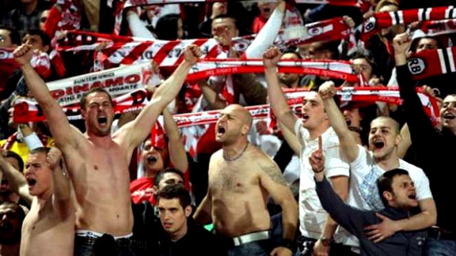 Ultraşii din PCH, prinşi cu droguri, lanţuri şi cuţite înainte de Craiova - Dinamo. Foto