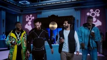 Messi, Salah, Pogba și Sterling se duelează în cea mai nouă reclamă TV. VIDEO
