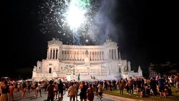 Noapte albă pe străzile din Italia!