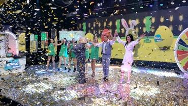 Încă nu ți-ai luat cartoane Bingo Mania? Mai ai timp până duminică, la ora 15:00! Sute de premii în bani și mașini pe Etno TV! A-nceput jocul, forțează-ți norocul!