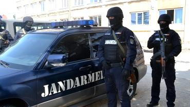 DNA, anchetă la Jandarmeria Română. Șeful instituției, cercetat pentru că şi-ar fi pontat ore suplimentare