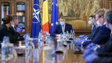 """Klaus Iohannis vrea o reformă la nivelul CCR: """"A decis revocarea doamnei Kovesi la propunerea unui ministru al Justiţiei de foarte tristă amintire"""". Video"""
