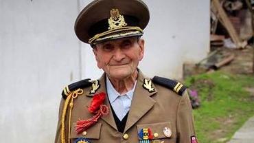 """A murit veteranul de război care și-a pierdut întreaga familie pe front: """"Rămas bun, domnule căpitan!"""""""