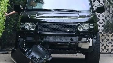 Beckham şi-a făcut praf maşina într-un accident! Băiatul său era pe locul din dreapta!