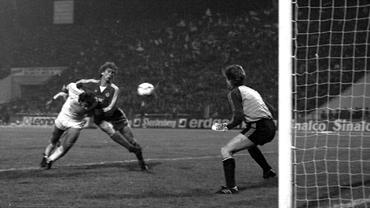 """Cornel Dinu dezvăluie secretele """"spionajului"""" care a înfrânt Dinamo Minsk exact acum 36 de ani și a dus Dinamo București în semifinalele CCE. EXCLUSIV"""