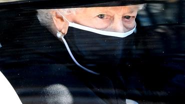 Ce a făcut Regina Elisabeta lângă sicriul soțului ei, când camerele de filmat au fost oprite. Moment emoționant