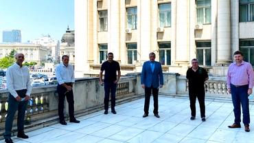"""Editorial-coronavirus Cornel Dinu. Atac cu talpa sus la """"Țânțarul-armăsar"""" care otrăvește Dinamoul, la """"Gigișor Becaliotul"""" și """"Comanii"""" săi de """"milioane, bilioane"""""""