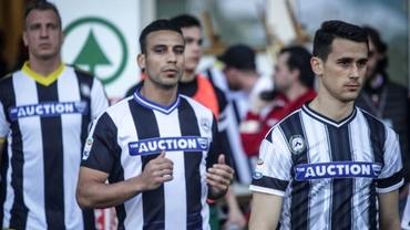 Foto. Moment inedit în Serie A! Au intrat pe teren cu 11 tricouri diferite! Care a fost motivul