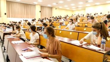"""Elevii din privat, discriminaţi! Nu beneficiază de burse de performanță precum cei de la stat. Andreea Paul, sesizare la Avocatul Poporului: """"Rezultatele bune trebuie recunoscute"""""""