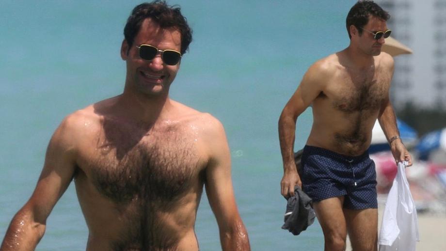 Galerie foto. Roger Federer, relaxare la plajă şi piscină