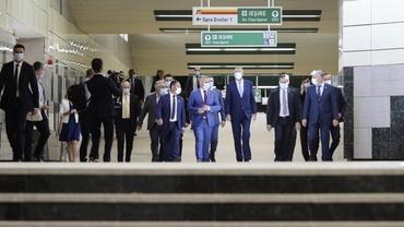 Plouă la metrou, la staţia Eroilor, pe magistrala abia inaugurată. Metrorex: Avarie la o conductă. Video
