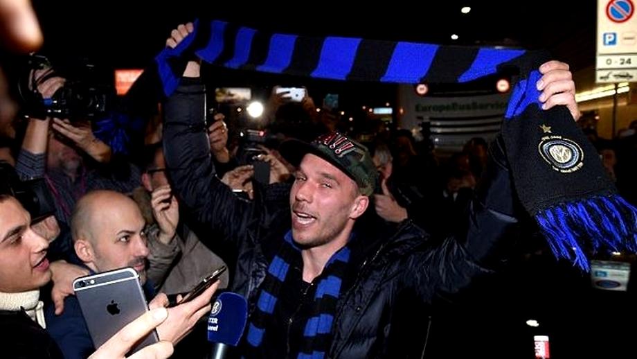 Galerie FOTO / Podolski la Inter Milano. A fost luat cu asalt de suporteri!