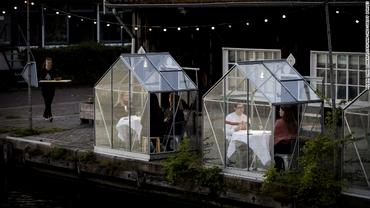 Sere de sticlă, anti-COVID. Un restaurant vegan din Amsterdam s-a adaptat pandemiei de coronavirus