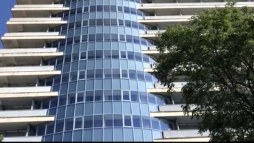 Cine este bărbatul care a căzut de la etajul 11 al unui bloc din Arad