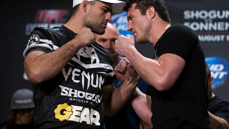 Atenţie, se deschide cuşca UFC!