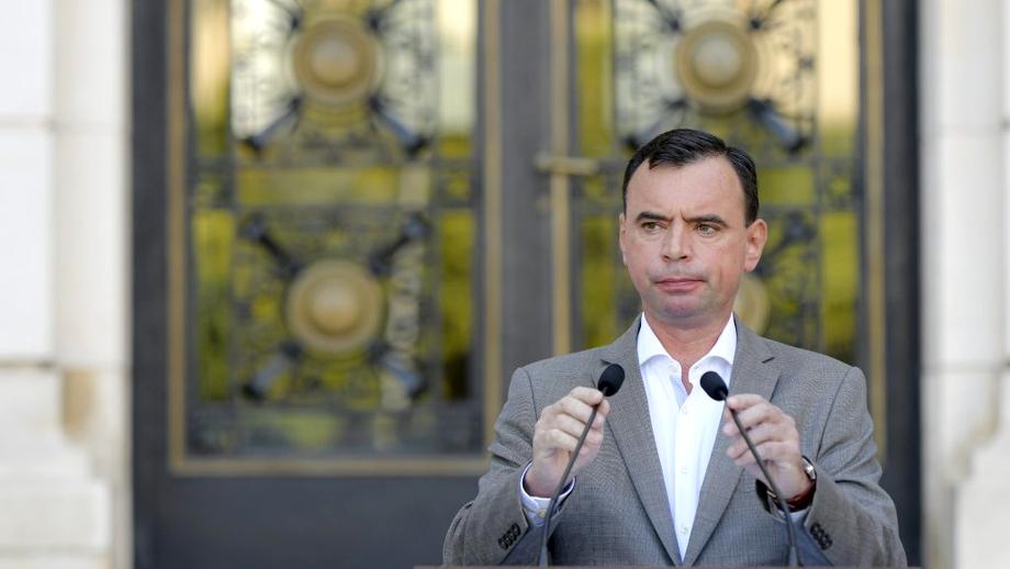 Acuzat de plagiat, Bogdan Despescu a fost avansat în grad! Președintele Klaus Iohannis a semnat decretul