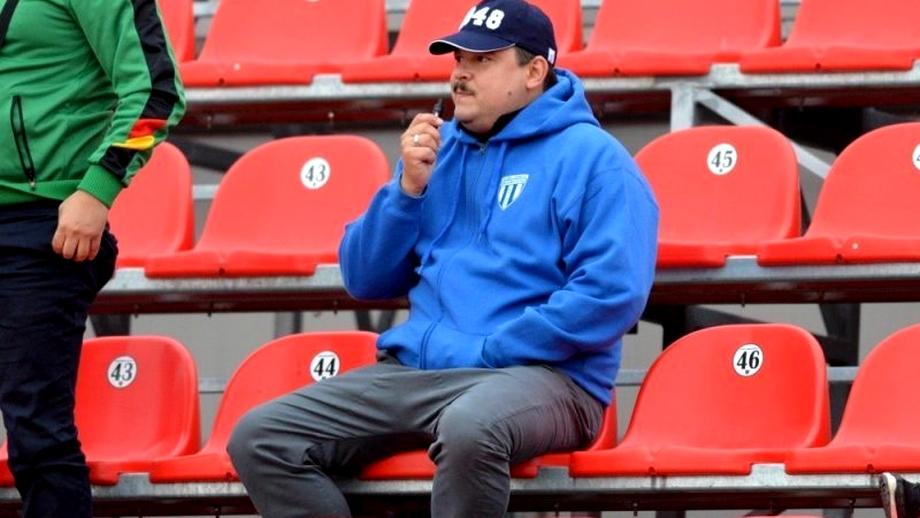 """""""Eu n-aş fi dat nici un milion pe Mitriță"""" spune """"Bobiță"""" Bobonete. Interviu sincer și dureros cu un mare fan al Universității Craiova"""
