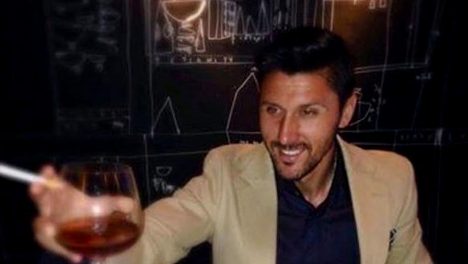 Marica s-a pozat CU PAHARUL ŞI CU ŢIGARA! Un alt fotbalist român şi-a prezentat iubita părinţilor de Revelion