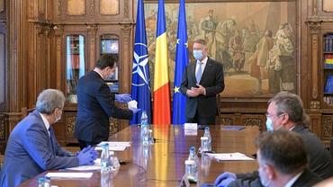 Klaus Iohannis, întâlnire de urgență cu liderii PNL. Ce urmează să se discute