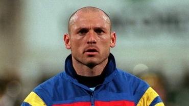Bogdan Stelea nu știe imnul României!