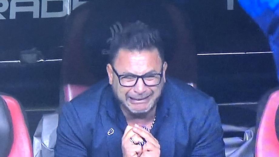 Moment emoționant petrecut la finala campionatului din Mexic! Antrenorul lui Monterrey a câștigat titlul în memoria fiului său și a izbucnit în lacrimi. VIDEO
