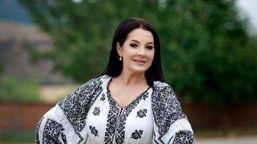 Angela Rusu a născut la 47 de ani. Primele poze cu fetița ei