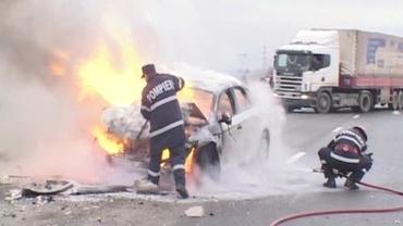 Traficul pe Autostrada Bucureşti-Piteşti este oprit. O maşină a luat foc, după un accident