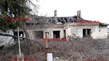 În așteptarea trenurilor de altădată, vechea gară din Otopeni stă să cadă: