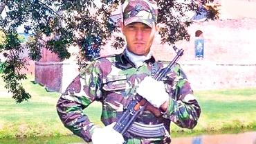 Militar de 24 de ani, ucis de o căpuşă