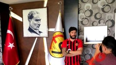 Cristi Tănase a semnat în Turcia! Salariu fabulos pentru